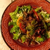 Salade tiède de foie de volailles (version végé, aussi disponible)