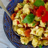 Salade de Tortellini à la Grecque